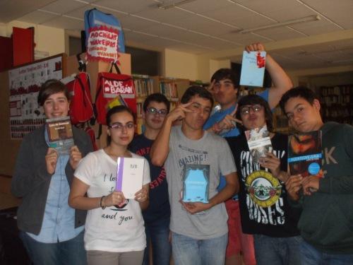 Mesmos lectores, mesmos libros, outra pose